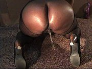 vlc-record-2014-11-25-12h12m00s-dildo pee request.mp4-