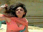 hot kajal aggarwal in shooting - hot videos.