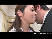 Japanese office babe Hojo Maki gets a facial from a stiff cock