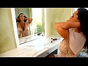 Pretty Pornstar Lisa Ann Dirty Milf Shower