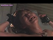 Japanese whore gets pussy vibrated