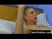 Twinks and old man gay porn 3gp video Watching 2 Girls 1 Cup is a