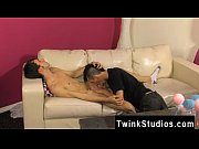 Twinks XXX Colby London has a man rod fetish and he&#039_s not afraid to