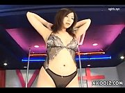 japanese babe gets orgasm on stage