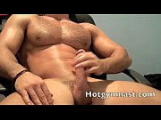 Jerking cock Muscle stud cumming on cam