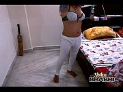 shilpa bhabh indian amateur teasing hubby in bed.
