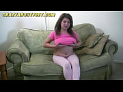 kelly rich chubby teen girl plays with her feet and gets naked teasing us