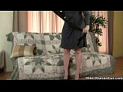Pantyhose ignite mom&#039_s lust for solo sex