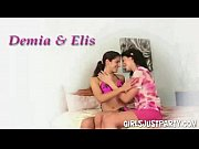 ellis and demia two horny teen.