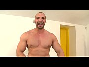 Lubricous orall-service for gay man