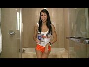 Tia Ling asian pornstar wetting her