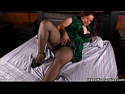 latina milf maribel plays with her.