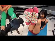 camgirl8.com amateur babe gives a amazing footjob webcam