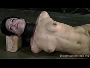 kinky torturing of babe&#039_s twat