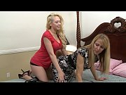 kagney linn karter and nicole moore eat each.