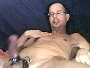 1 Golden shower a lot of cums 640mb 4mln series
