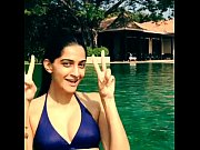 sonam kapoor bikini in the pool-boobsnice.blogspot.com
