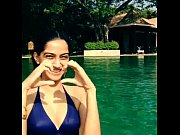 sonam kapoor bikini in the pool-boobsnice.blogspot.com, redwap sonam kapoor xxx videos Video Screenshot Preview