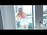 perfect teen pussy streched riley reynolds_5.