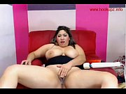 Chubby latina makes herself cum
