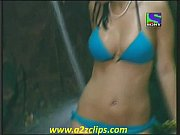 YouTube Iss jungle se mujhe bachao Negar khan Bikini Bath Hot Ne
