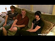 Twink video Aron, Kyle and James are dangling out on the couch and