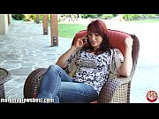 MommyBB Nikki Hunter jumps on a young boy&#039_s dick
