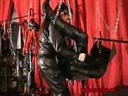 STRAP-ON slave in full leather 00