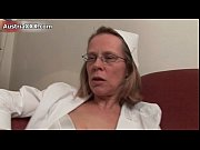 dirty mature woman gets her pussy.