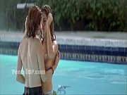 Denise Richards (w-Neve Campbell) - Wild Things (lesbian pool)