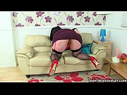 UK&#039_s hottest BBW milf Jayne Storm slides a dildo in