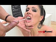 huge butt montse drinks pee (piss drinking anal.