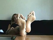 blonde girl soles and chat