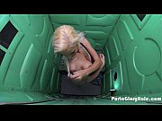 Porta Gloryhole Blonde milf sucking dick in the desert