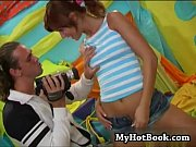 Sarah Blue pushes up her shirt and invites her fuc