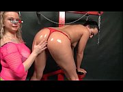 Kinky lesbian sex slave cunt licked by her blonde mistress