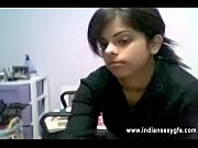 desi hot indian bhahbi caught private webcam strip.