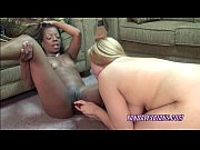 Curvy Savanna shares her toys with an ebony slut
