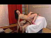 Reverse casting - Sexy MILF tests a guy&#039_s licking skills