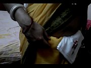 Desi tamil Married aunty exposing navel in saree with audio, tamil aunty white saree Video Screenshot Preview 4