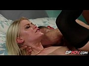 2 blondes share a cock 4_001