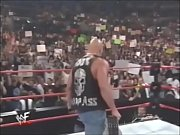 www.stafaband.co - WWF Stone Cold Steve Austin Ties The Undertaker On His Symbol