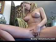 Busty Lisa Neils masturbates her pussy using her favorite toy (Xvideos XXX Videos)
