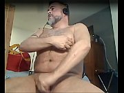 Daddy Bear Uses Nipple Clamps &amp_ Poppers To Cum On Cam - www.thegay.webcam