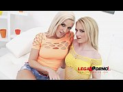 Blonde sluts Blanche Bradburry &amp_ Rossella Visconti play with big dildos &amp_ get DAP&#039_ed SZ