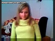 amateur 18yr old makes a hot show on webcam