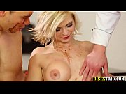 hunk facial in bisex trio