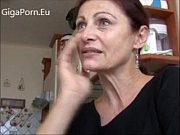 hot mom like to fuck by.