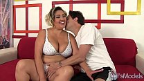 Big boobed babe gets her chubby pussy fucked