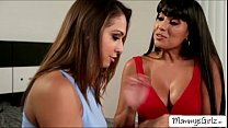 Teen Sara and MILF Mercedes goes pussy tribbing...